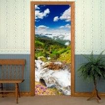 Vinilos decorativos puertas arroyo en las montañas