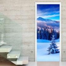 Vinilos decorativos puertas montañas nevadas