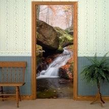 Vinilos decorativos puertas cascada en otoño