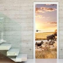 Vinilos decorativos puertas animales safari