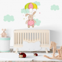 Pegatinas y vinilos infantiles oso paracaidista