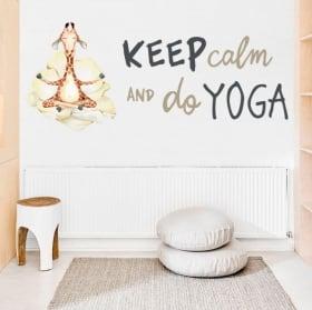 Vinilos y pegatinas jirafa con frase en inglés keep calm yoga