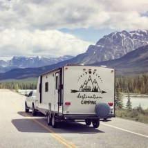 Vinilos caravanas frase en inglés destination camping